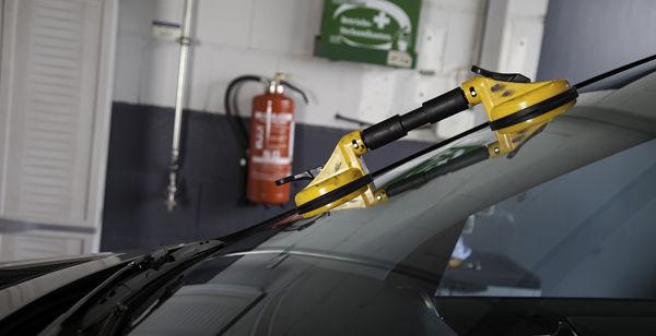 Windshield Repair Harrison AR, repair cracked windshield, cheap auto glass repair