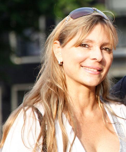 About marielouvanstuijvenberg.com, Marielou van Stuijvenberg