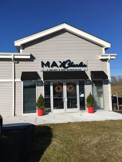Greenland NH Max Charles Salon