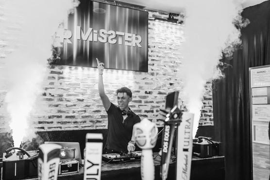 Mr. Misster - b-w Bottle Service-4.jpg