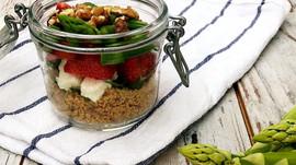 Couscous-Erdbeer-Spargel-Salat