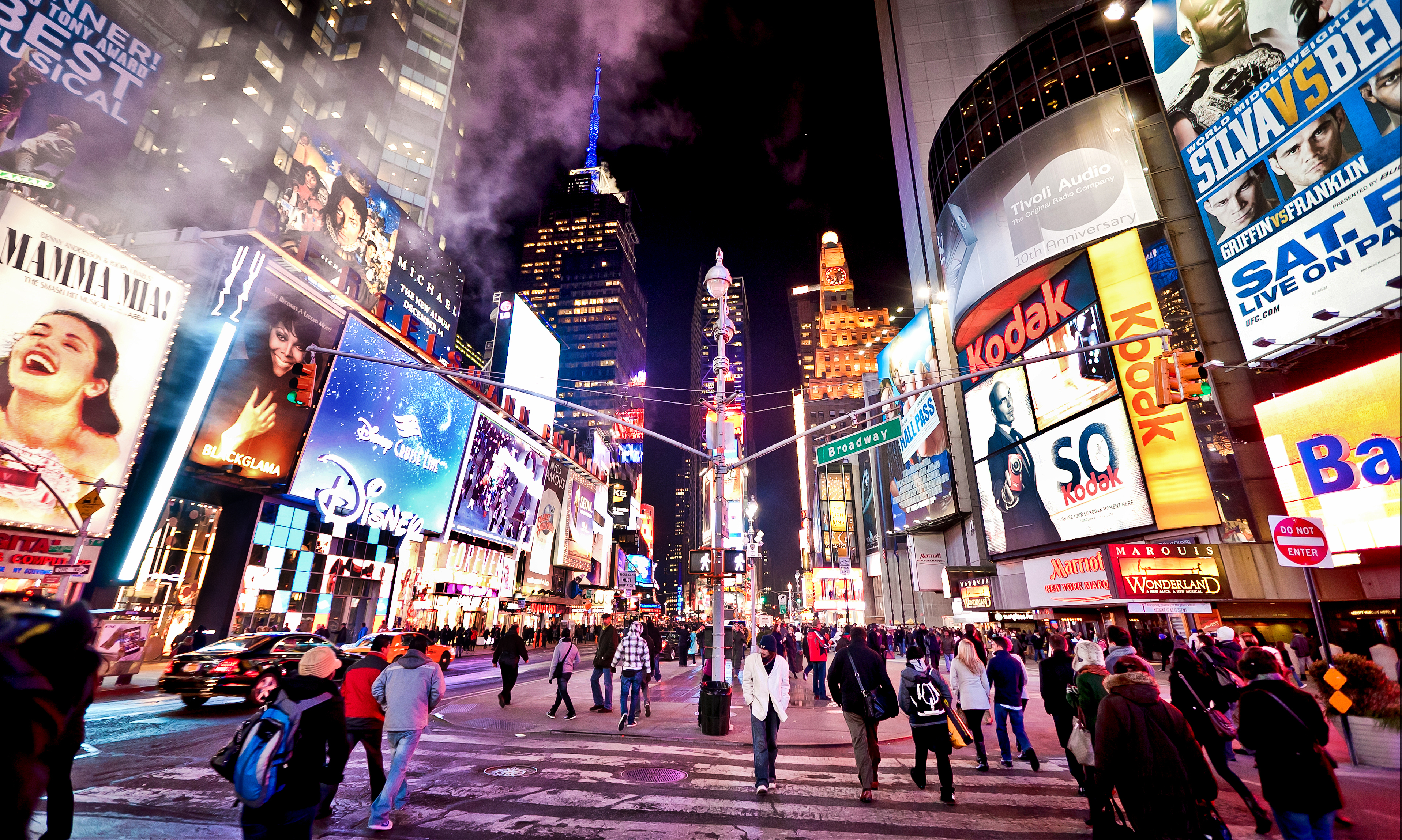 2014-07-11-TimesSquare_editorialuseonly_cAndreyBaydashutterstock_69510376