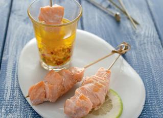 Spiedini di salmone grigliato