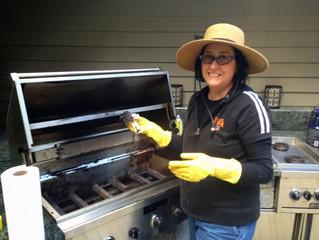 La pulizia del barbecue… lavoro per donne?
