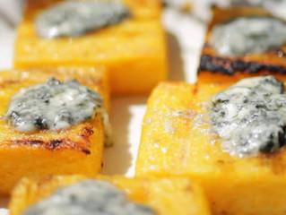 Cubetti di polenta alla griglia con gorgonzola