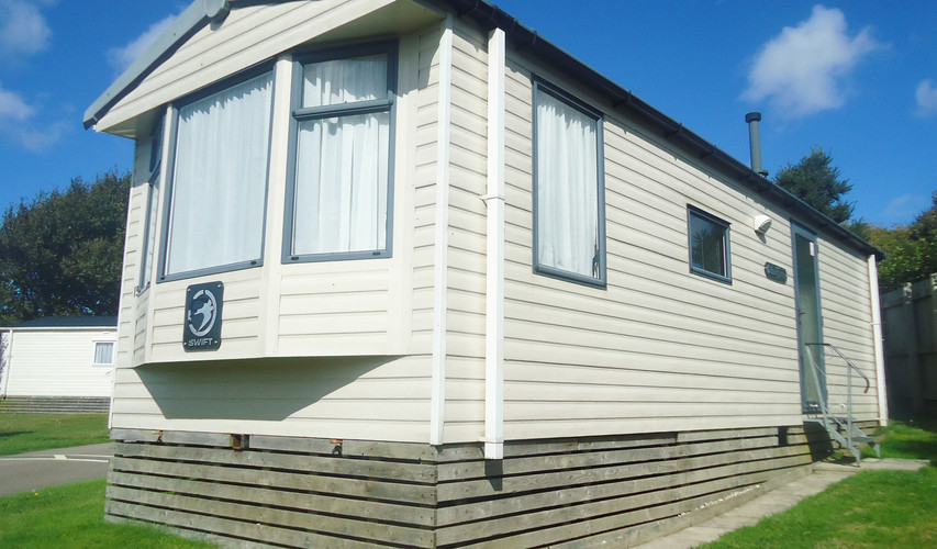 Mount's Bay Caravan Park - Burgundy1
