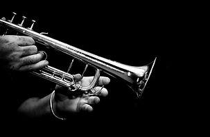 hands-of-musician-530406235_3564x2344.jp