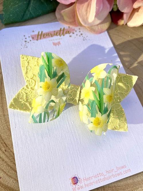 Daffodil Hair Bow