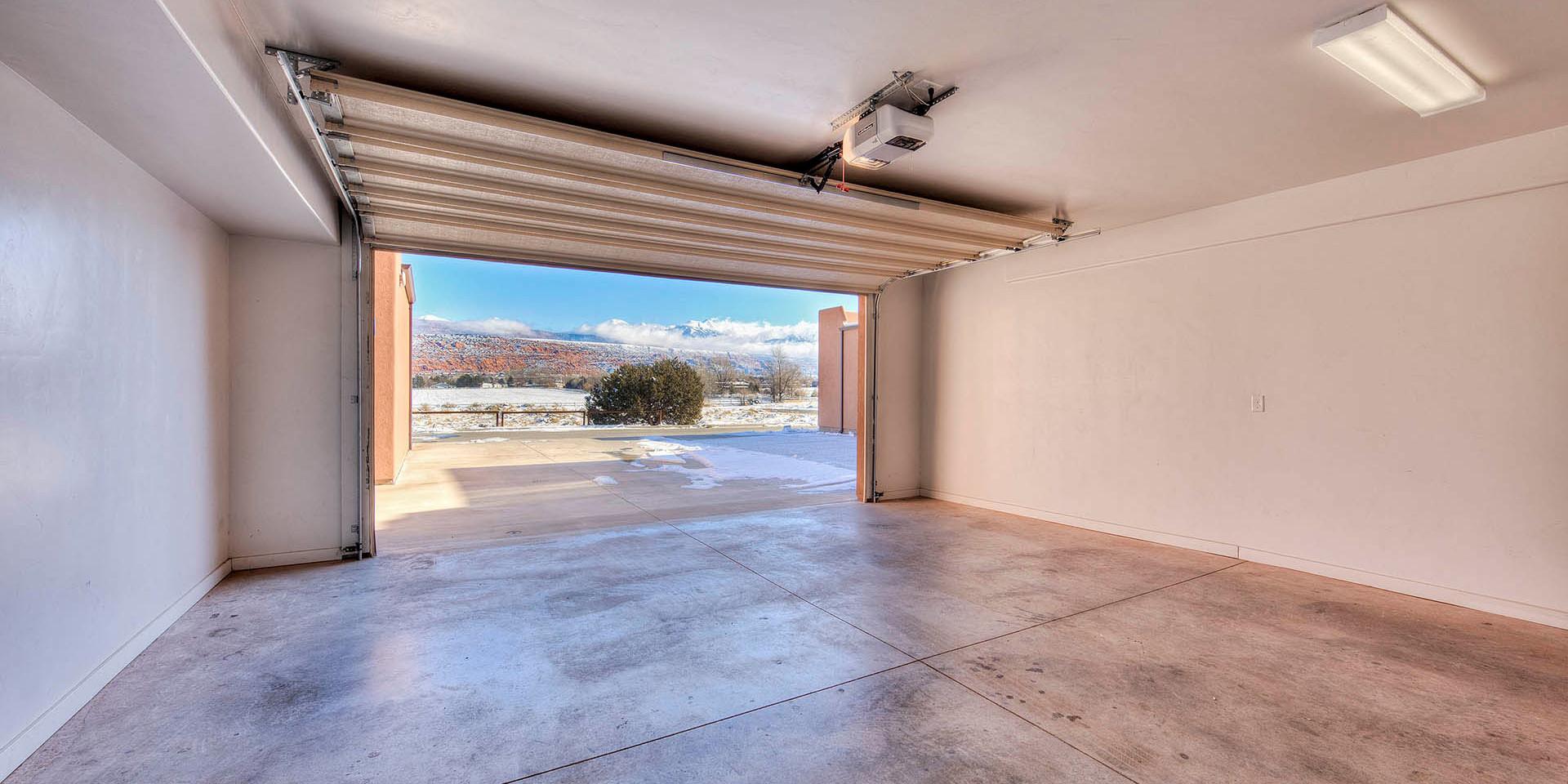 Large Garage Moab