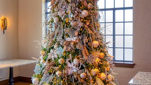 christmas tree main dining rm