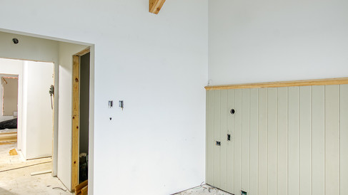 guest rm with beadboard & beams