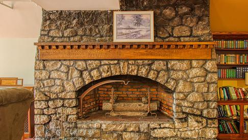 fox lounge fireplace