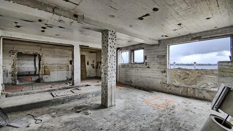 basement room facing SE