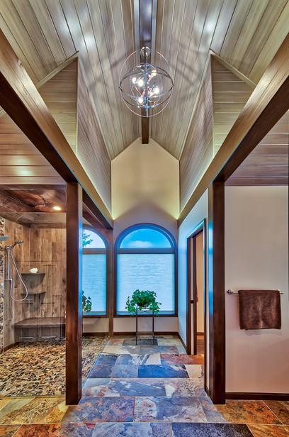 bath showing ceiling.jpg