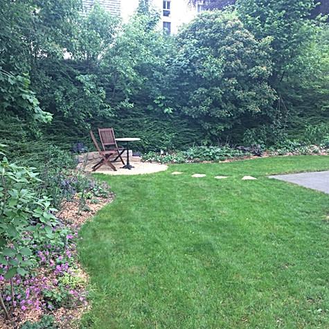 Neubepflanzung/ Sitzplatz