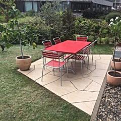 Sitzplatz polygonal Kalkstein/ geschnitten und gestockt