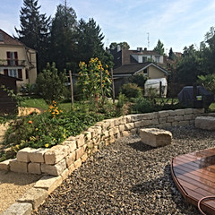 Gartengestaltung, Kalksteinmauer