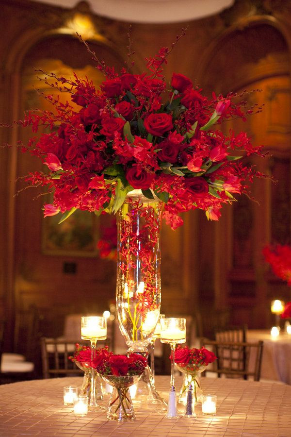 Vase table centrepiece