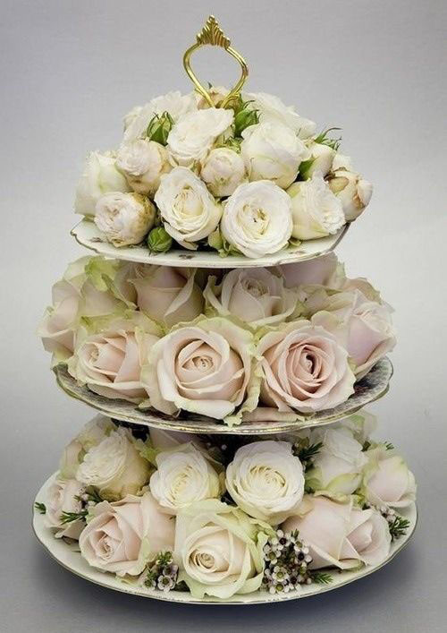 Vintage rose table centrepiece