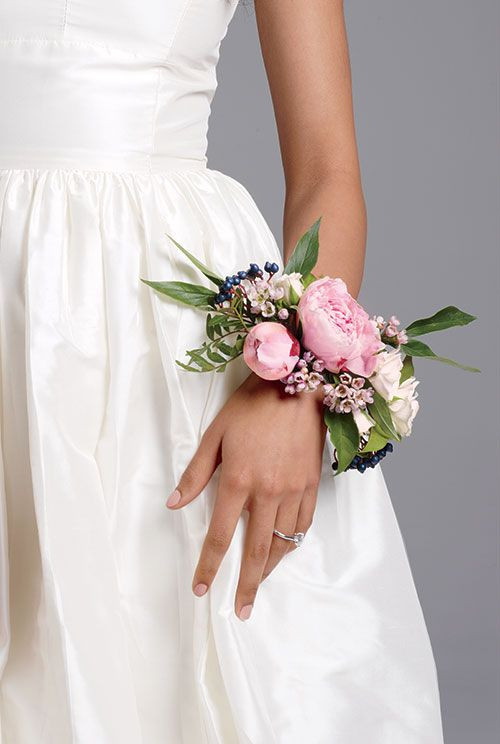 Wrist corsage for your Bridesmaids are beautiful.