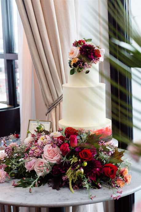 Wedding cake and Ombre florals