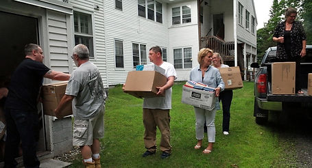Elk-Vets-Place-2017-boxes-going-in-to-ho