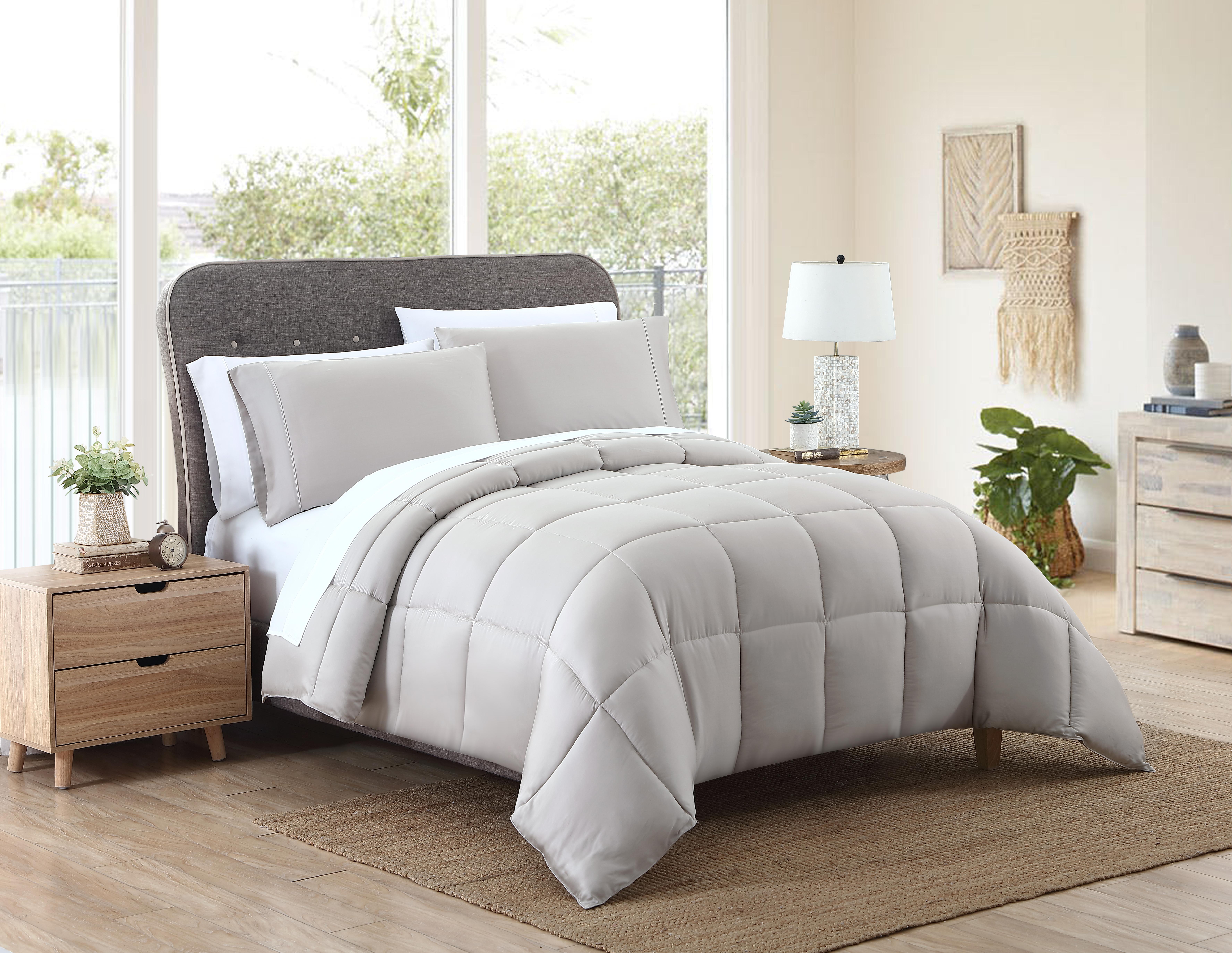 Kohl's Comforter Taupe (2)