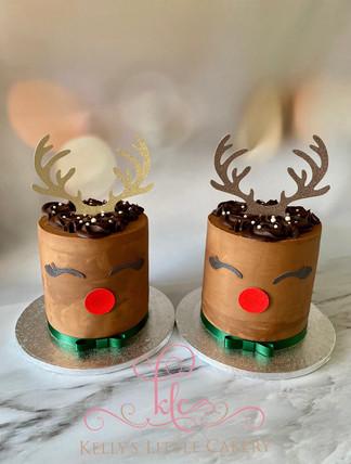 Christmas Reindeer Cakes