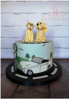 """D Handpainted Vintage Car Cake"