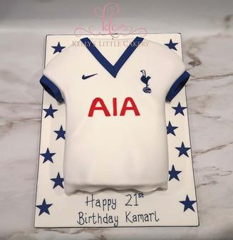 Tottenham Football shirt cake.jpe