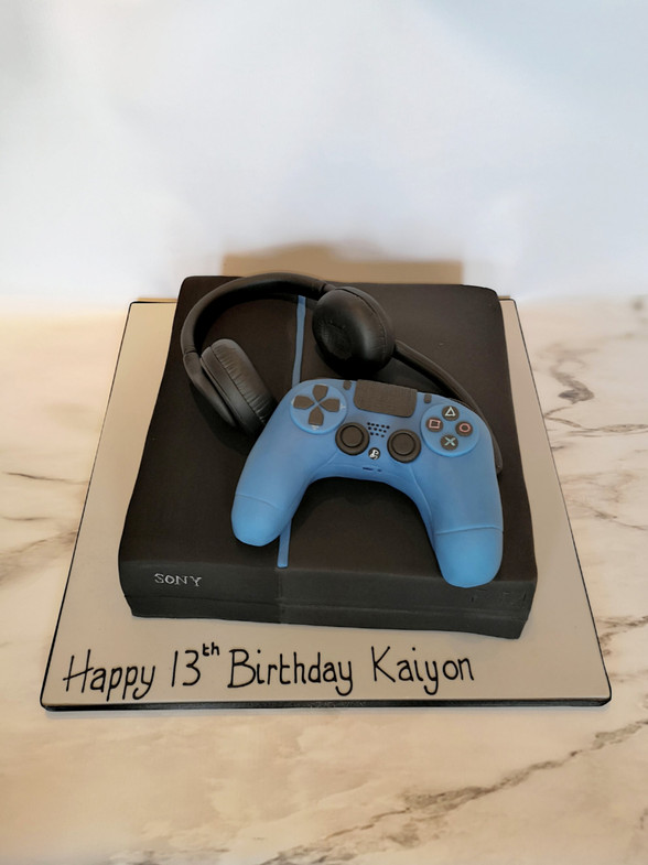 Playstation and controller cake