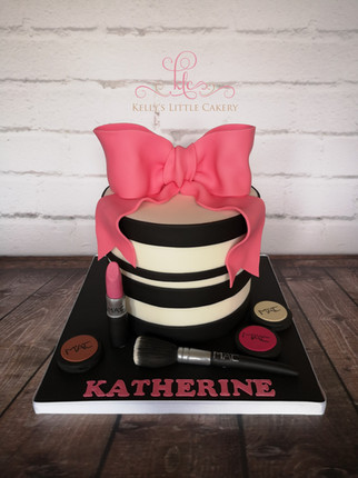 Big Bow with Make Up Cake