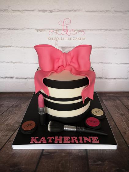 Big Bow with Make Up Cake