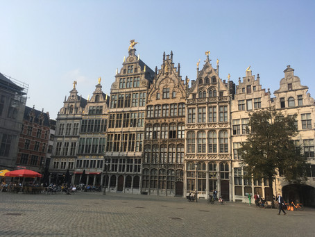 Antwerpen op z'n mooist. 10 Innerwheel dames onder de indruk van Antwerpen.