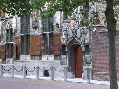 Peter de Grote bezocht Delft en keek voor het eerst door een microscoop