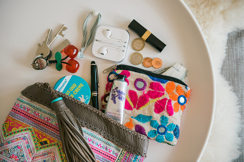 Do you also have a secret pouch in your handbag?