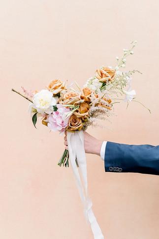 Brautstrauß in zarten blush Tönen