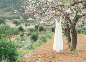 What to do with your wedding dress after your wedding? | Was du mit deinem Hochzeitskleid nach der H