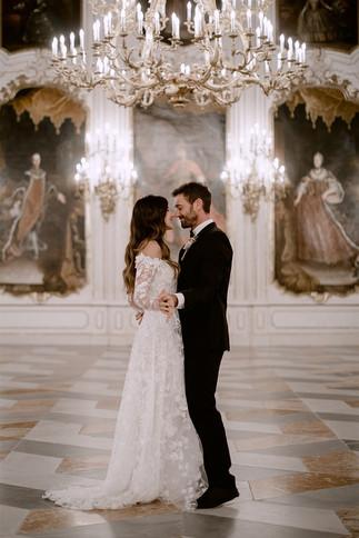 Elegantes Brautkleid für eine Schlosshochzeit