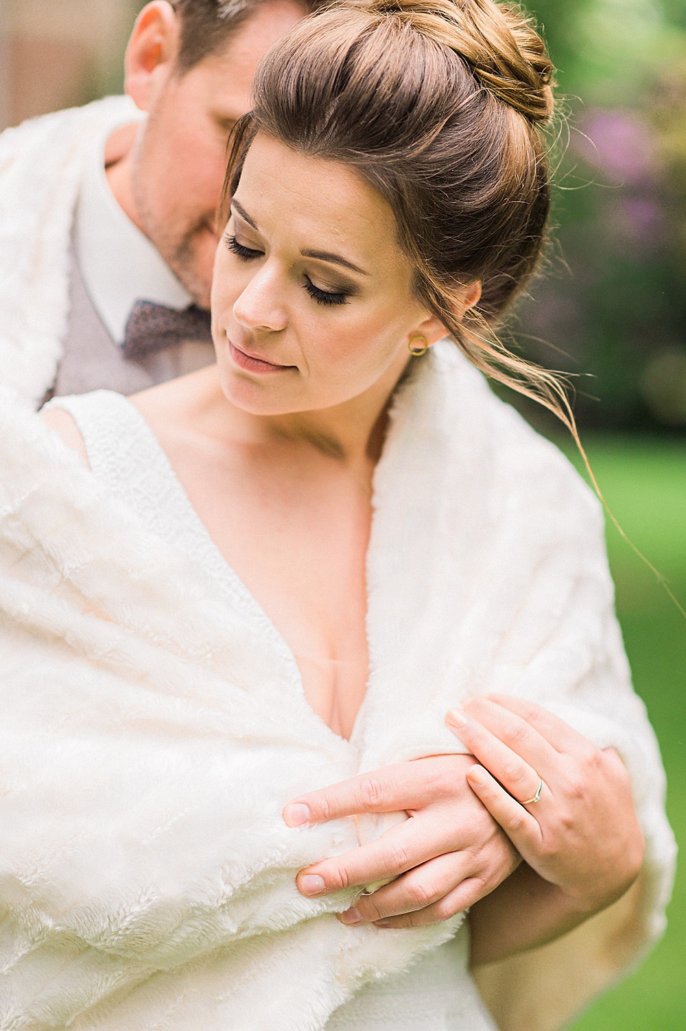 Hygge Hochzeitsideen in blau Elopement Paar Shooting