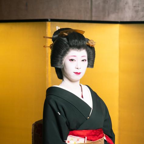 Chihana as Geisha