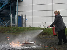 Fire extinguisher training in edinburgh practical live fire extinguisher training in Glasgow Scotland
