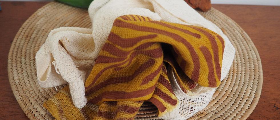 Etole zèbre jaune traits marrons/terre.