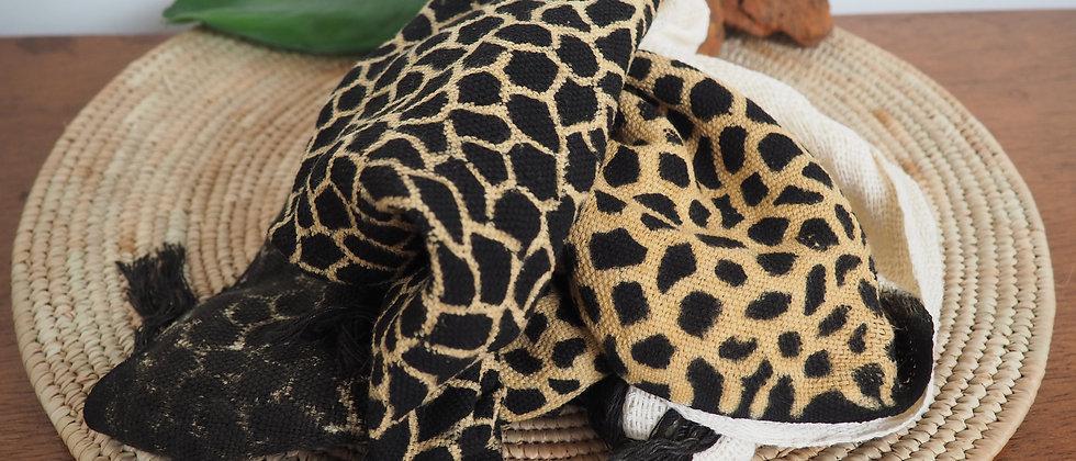 Etole en coton biologique girafe noire