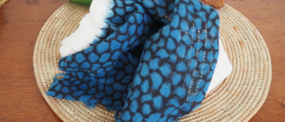 Etole en coton biologique girafe bleue et noire