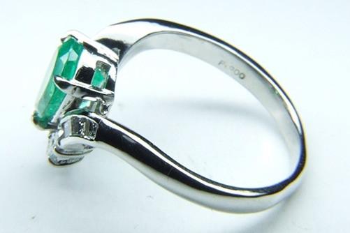 エメラルドの指輪 サイズ直し