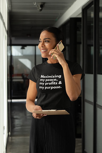 t-shirt-mockup-of-a-woman-speaking-on-th