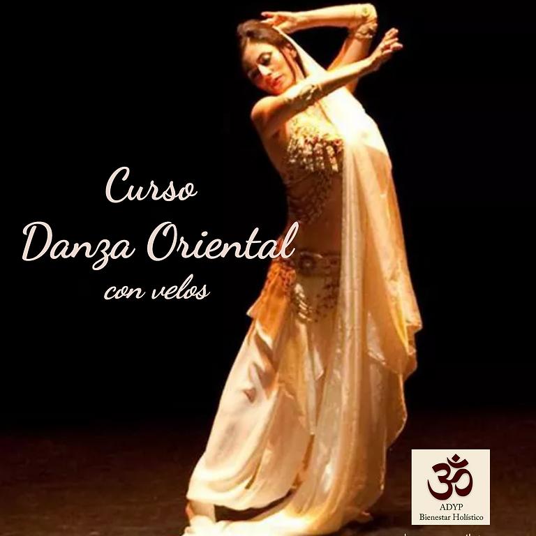 Curso de Danza del Oriental con Velos