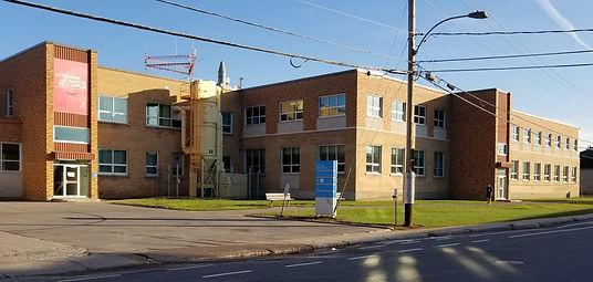 Cégep de Trois-Rivières, Construcions Raymond Chartrand