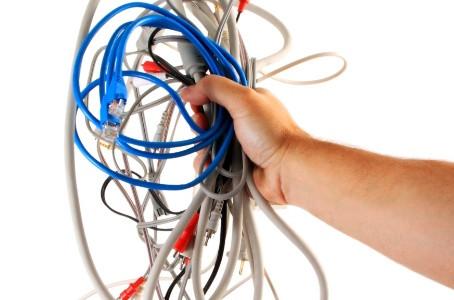 Como esconder os fios da televisão?